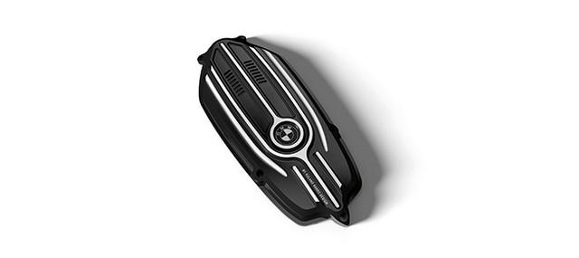 BMW Motorrad : accessoires « Machined » pour les BMW R NineT. 392082recouvrementdecourroie