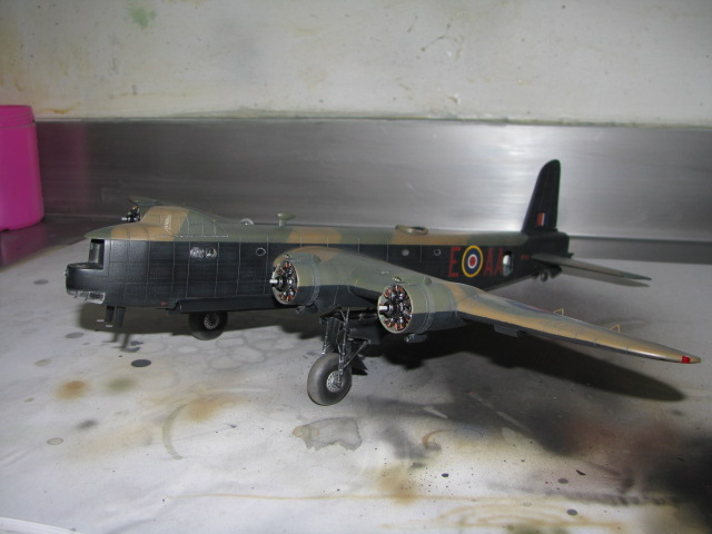 Short Stirling BF-513 75 Sqn, 1/72 Italeri: Commémoration 08 mai 2015....Terminé! - Page 7 392374IMG4781