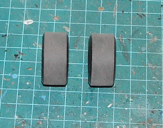 Comment coller des slicks en 2 pieces 395907slicks02
