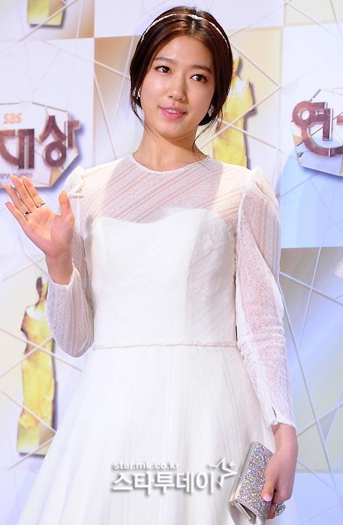 Park Shin Hye au SBS Drama Awards 2013 398378201312311388486100