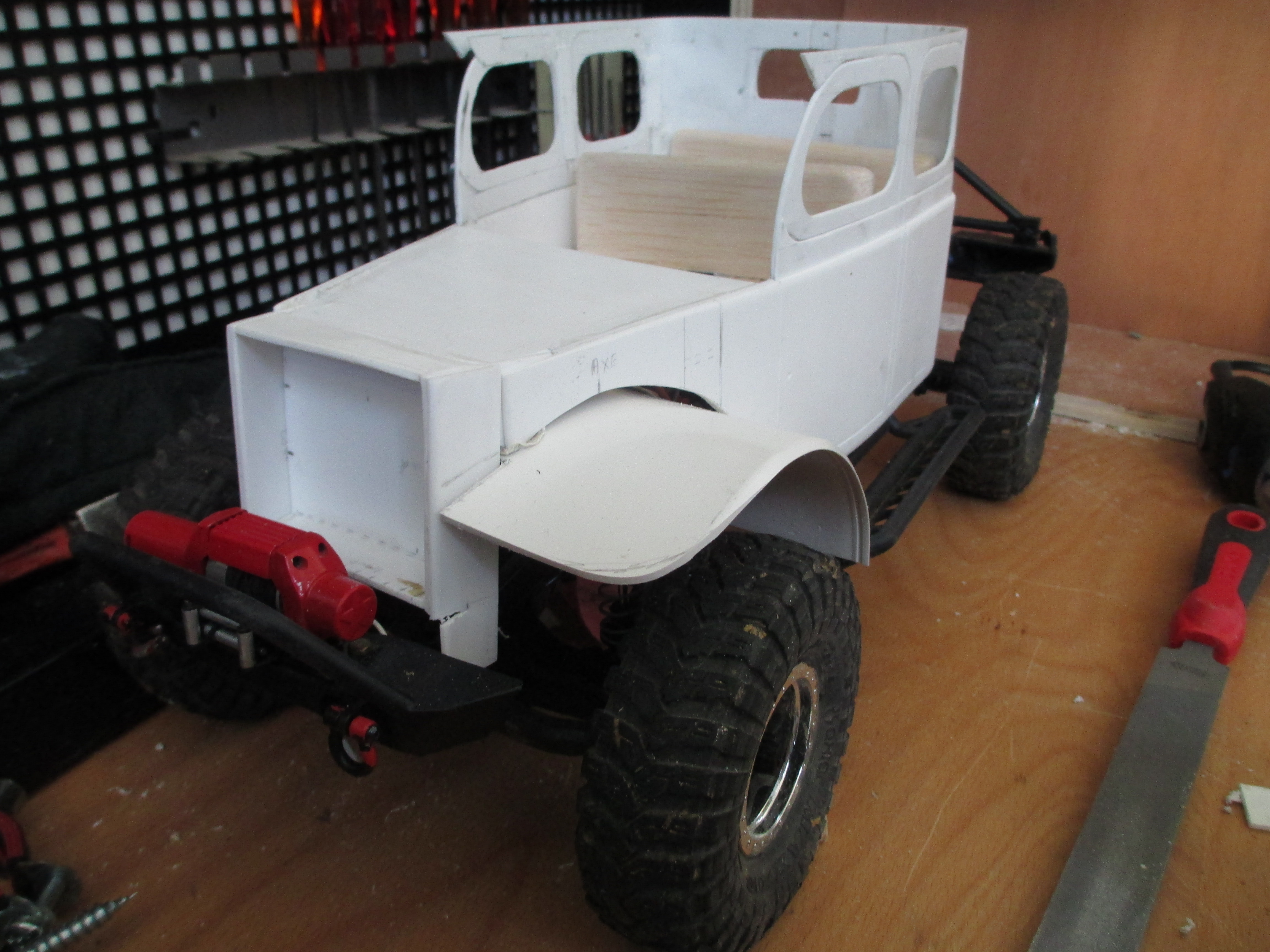 Futur projet, Dodge Legacy power wagon - Page 2 399639IMG1407