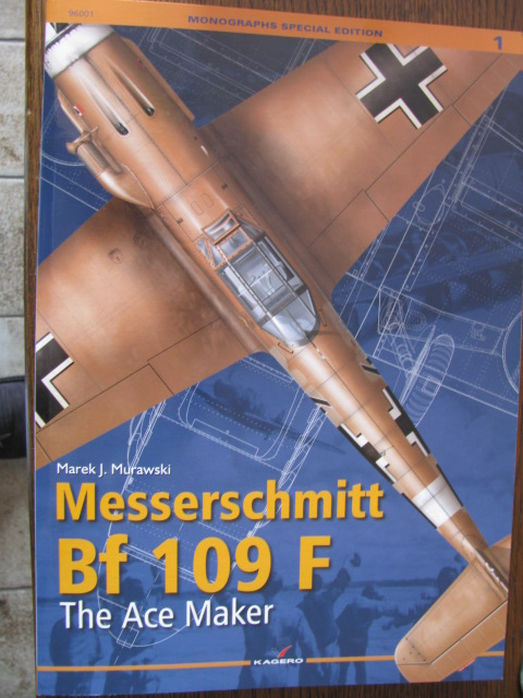 Bf-109 F-4 Trumpetter 1/24 - Page 2 399797IMG8504