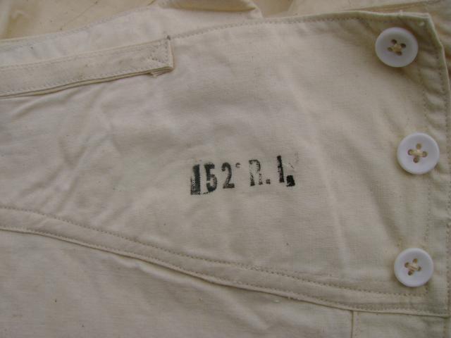 Sous Vêtements et caleçons trouvés aux encombrants (sur le trottoir) 402837militaria001