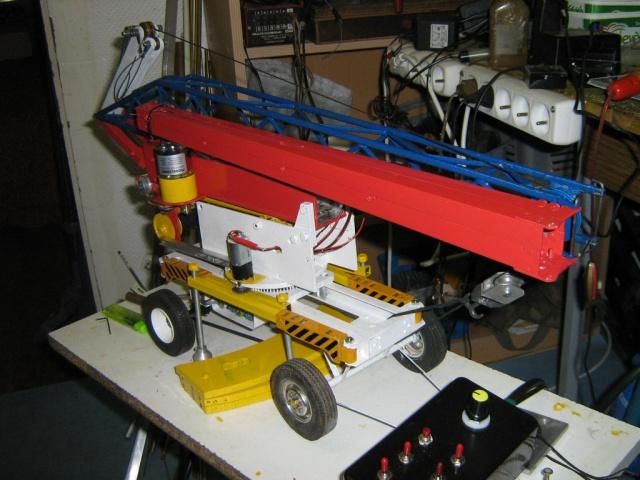 Grue auto portée télescopique à flèche à GIB électro hydraulique, en base Liebherr 1100 403539IMG2976