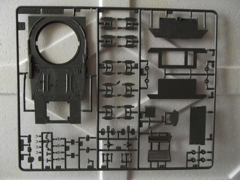 Char LEOPARD A4 - (Réf. 823) 1/35 404199HellerLopardA4823015
