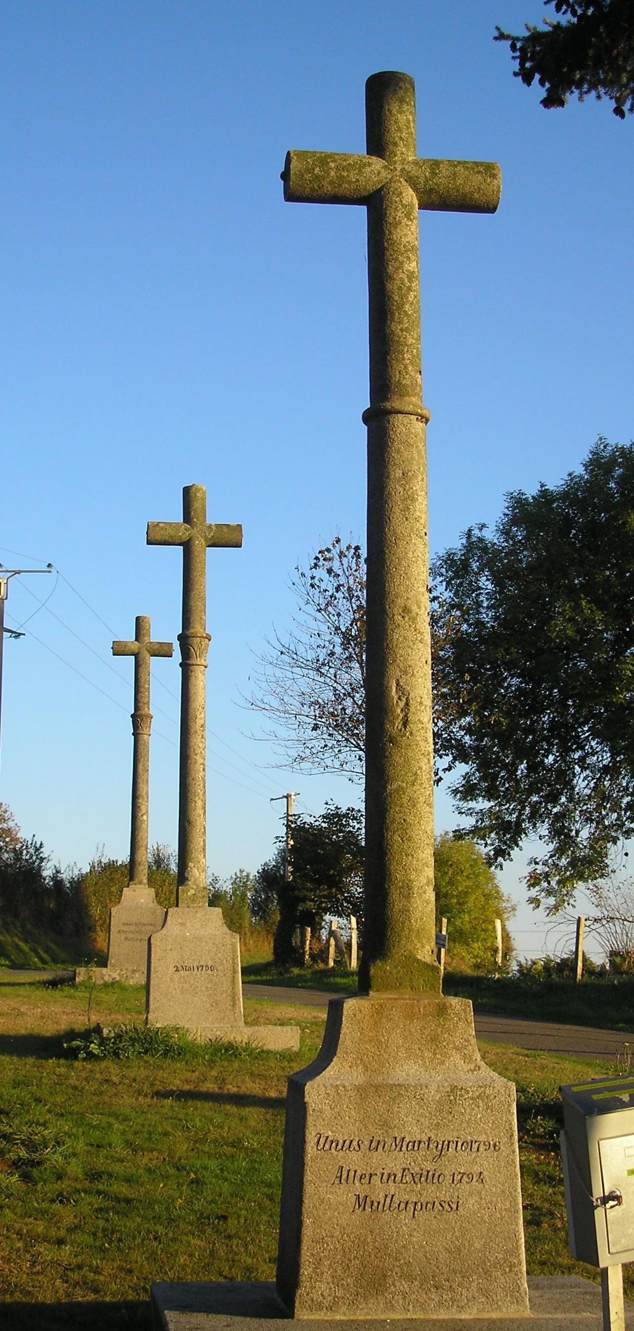 Énigme n°38 - Les Trois Croix du Petit-Celland 4092472810