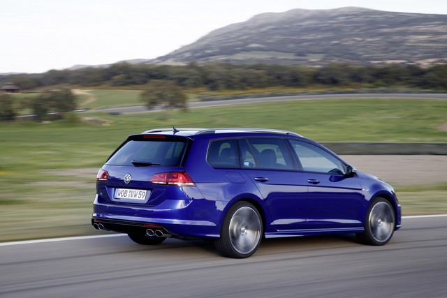 La Golf SW R arrive en France ! 413052thddb2015au00753large