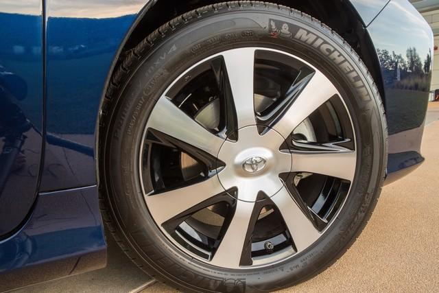 """Toyota se projette dans le futur avec la berline à pile à combustible 'Mirai'"""" 4194892016ToyotaFuelCellVehicle040"""