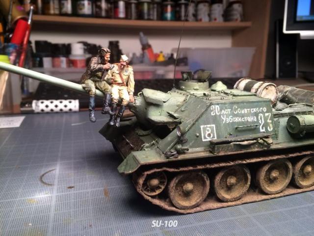 SU-100 marque Dragon 1/35 - Page 3 420515IMG4067