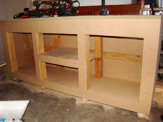 Construction d'un meuble en Chevrons de 8x8 pour bac 200cm 424928DSC08487