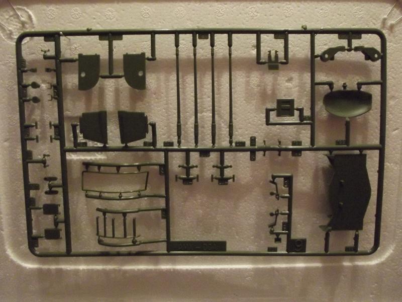 AMX 30 DCA - (Réf. L811) 1/35 426856HellerAMX30DCA811022