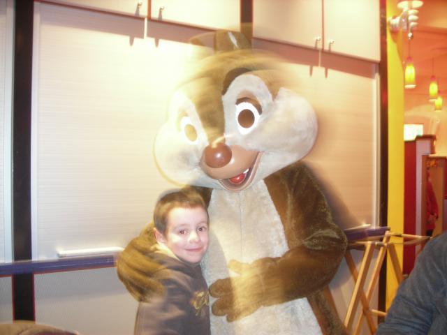 [Disneyland Paris] Premier séjour au DLH (31 janv.-2 fév. 2011) + un anniversaire inoubliable ! - Page 4 427338138