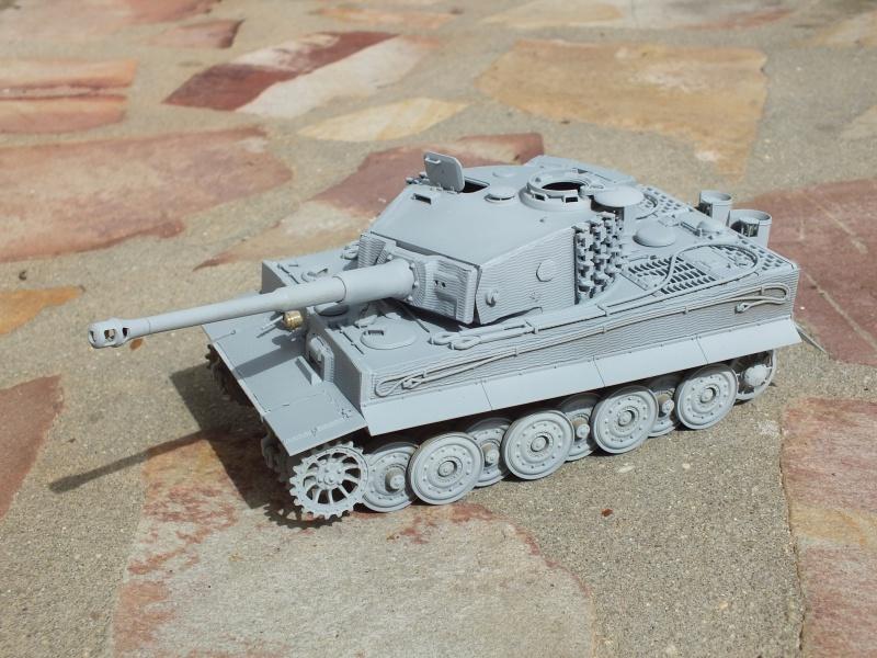 Tiger I Late version ,tamiya 1/35 (début de patine) 431170DSCF5798
