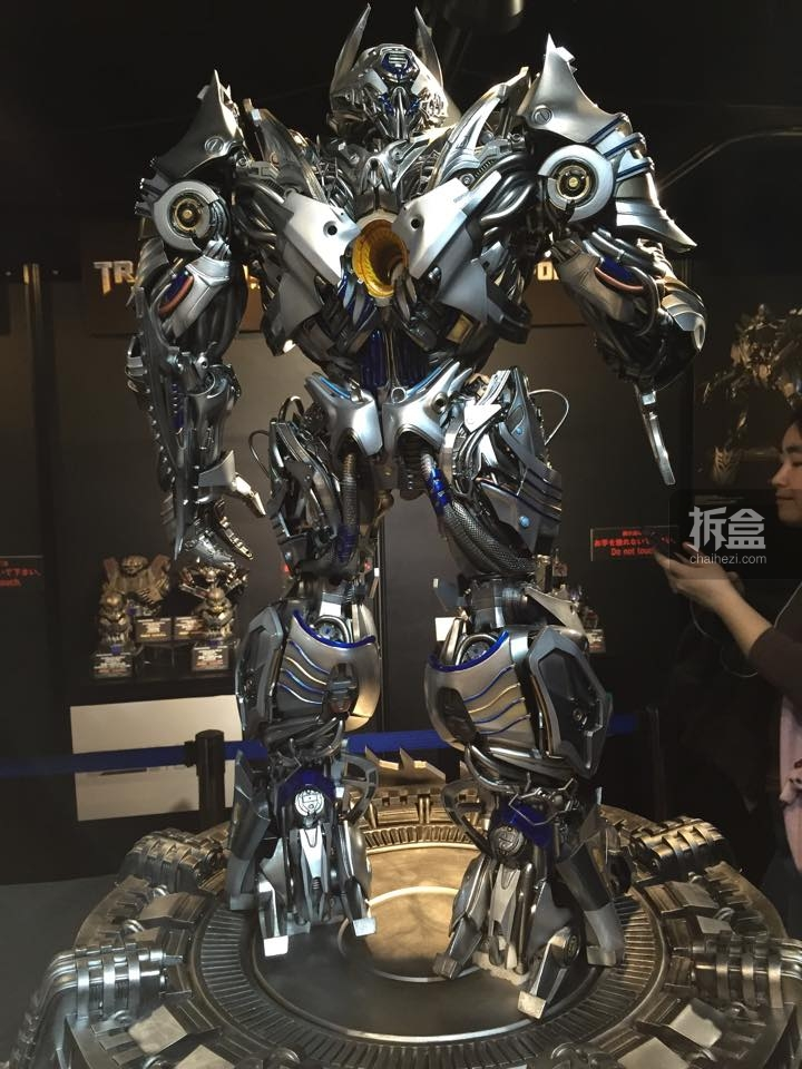 Statues des Films Transformers (articulé, non transformable) ― Par Prime1Studio, M3 Studio, Concept Zone, Super Fans Group, Soap Studio, Soldier Story Toys, etc - Page 3 431214P1STF4galvatronpreview0121429109252