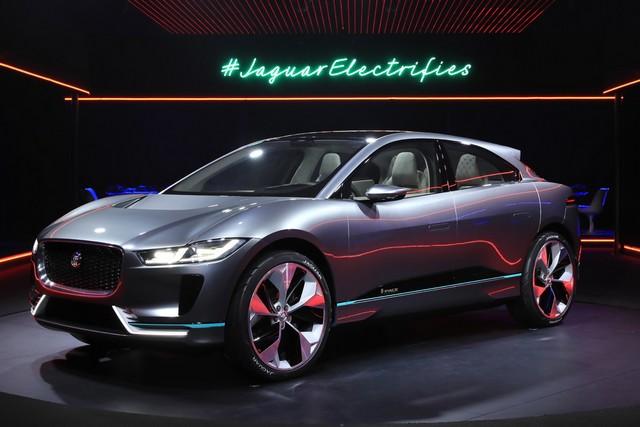 Jaguar Dévoile Le Concept I-PACE : Le SUV Électrique Performant 432341jagipacevrevent141116003