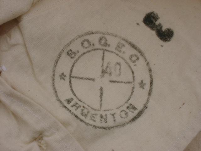 Sous Vêtements et caleçons trouvés aux encombrants (sur le trottoir) 433298militaria006