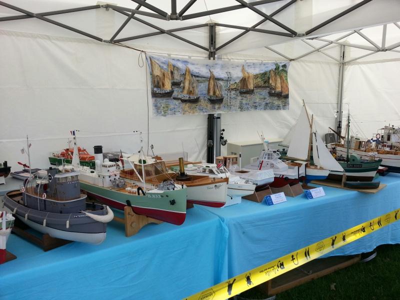 démo de maquettes navigantes sur la place Napoléon à la Roche S/Yon le 31 Mai et le 1er Juin 43396920140531133859resized