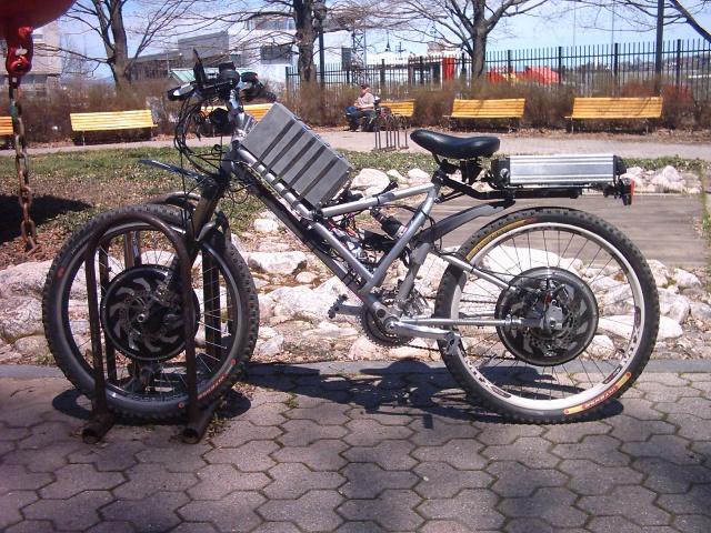 HOOLIGAN..Pas un (( GRAND )) vélo.....MAIS !!! - Page 6 435259DAN2