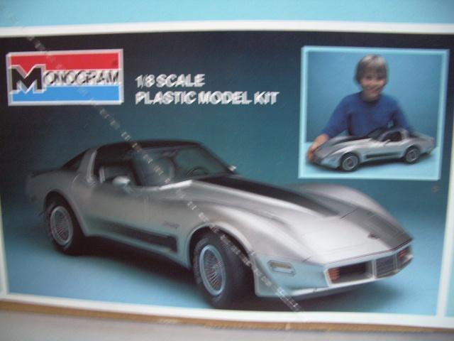 chevrolet corvette 1982 edition collector monogram au 1/8 - Page 2 435715photoscorvettemaquette002