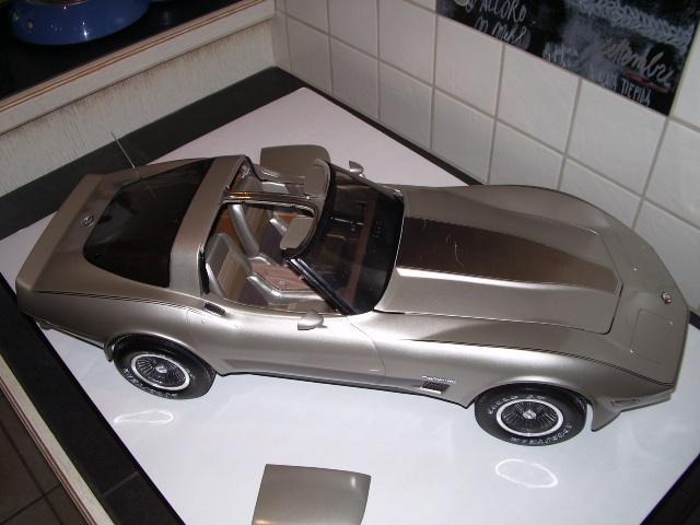 chevrolet corvette 1982 edition collector monogram au 1/8 - Page 2 437262photoscorvettefini110