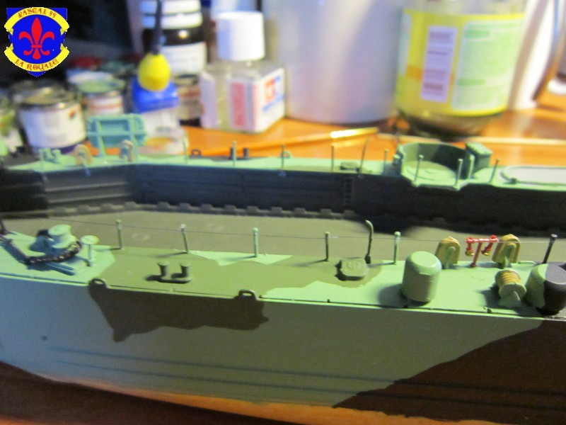 U.S. Navy Landing Ship Médium (Early) au 1/144 de Revell par Pascal 94 - Page 11 437907IMG43221