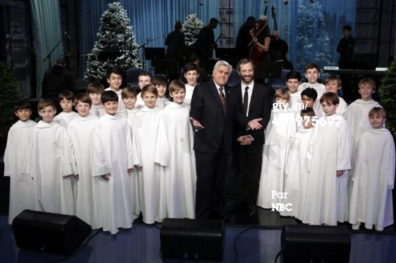 [TV] Tournée promotionnelle sur les télés US à la Noël 2013 - Page 2 438904LiberaJayLenoJuddApatow