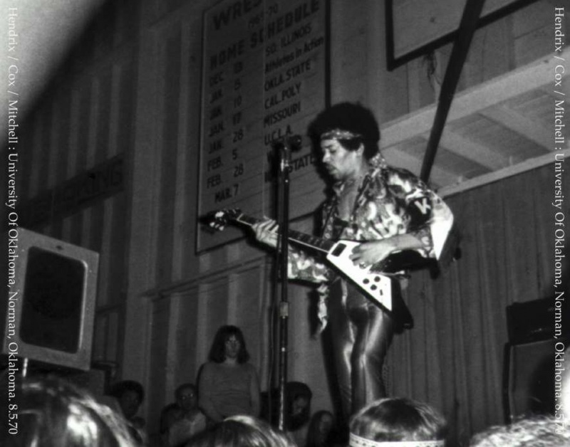 Norman (Field House, University Of Oklahoma) : 8 mai 1970 [Premier concert]  44128619700508Norman1stShow01