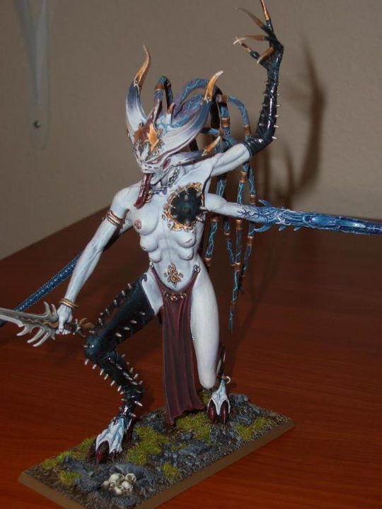 Warhammer 40K (figurines diverses trouvées sur internet! ) - Page 6 442557slaneshi3