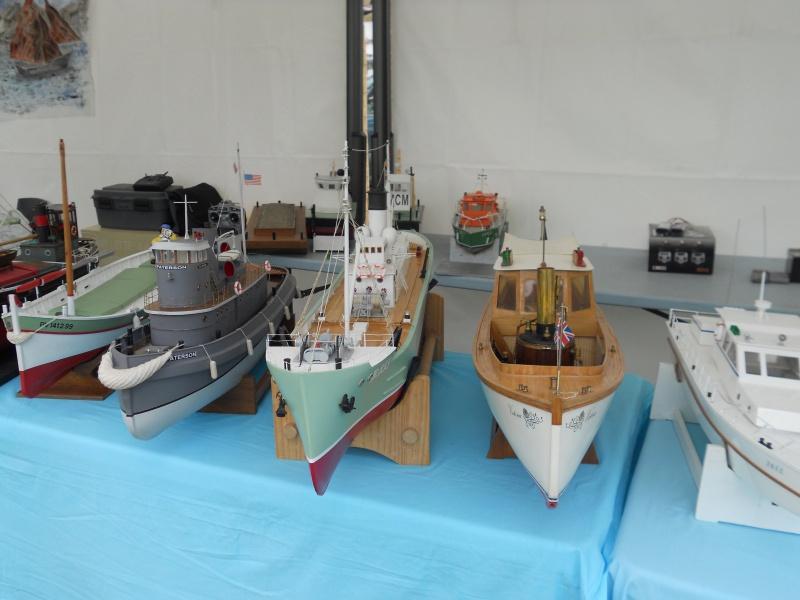 démo de maquettes navigantes sur la place Napoléon à la Roche S/Yon le 31 Mai et le 1er Juin 446018DSCN4020