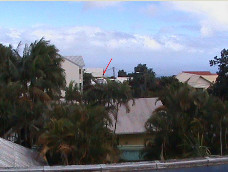 2011: le 01/01 à Entre 1h00 et 2h00 - Boules lumineuses oranges - Le Tampon - La Réunion (974) - Page 3 446197lubi9747