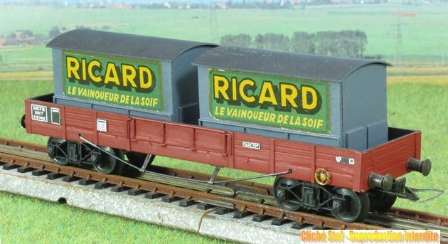 Wagons plats à bogies maquette et semi maquette chargés 455400VBmaquetteplatTPUScontainersRicardgrisIMG3204
