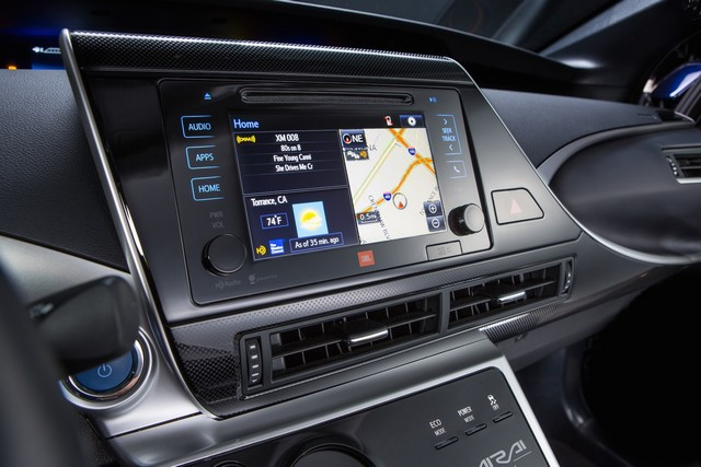 """Toyota se projette dans le futur avec la berline à pile à combustible 'Mirai'"""" 4566652016ToyotaFuelCellVehicle013"""