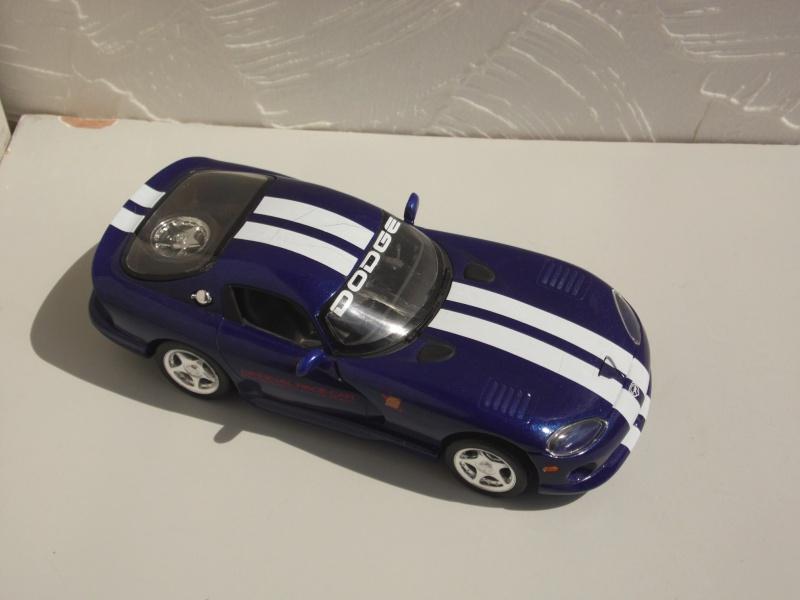 Dodge Viper RT10 et GTS. 461605SAM5026