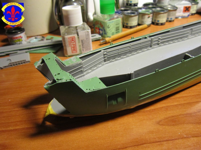 U.S. Navy Landing Ship Médium (Early) au 1/144 de Revell par Pascal 94 - Page 2 461645IMG41321