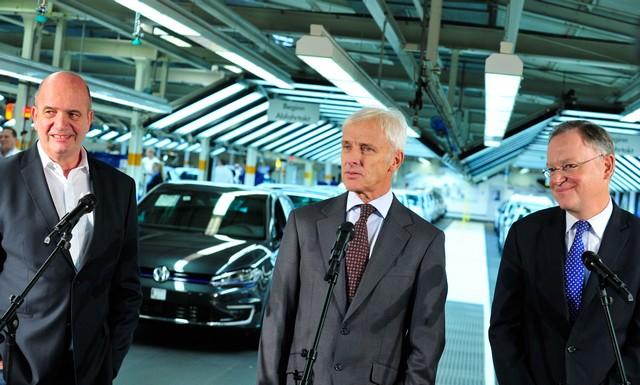 Visite de Stephan Weil, Premier Ministre, à l'usine Volkswagen de Wolfsburg  464409thddb2015al03822large