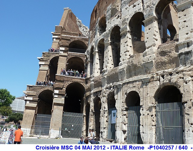 MSC Splendida Du 28 avril au 5 mai 2012 Gêne Barcelone Tunis La valette Taormine Messine Rome 464416P1040257