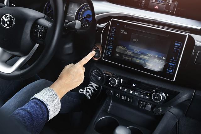 Nouveau Toyota Hilux 467056HILUXInterior08DPL