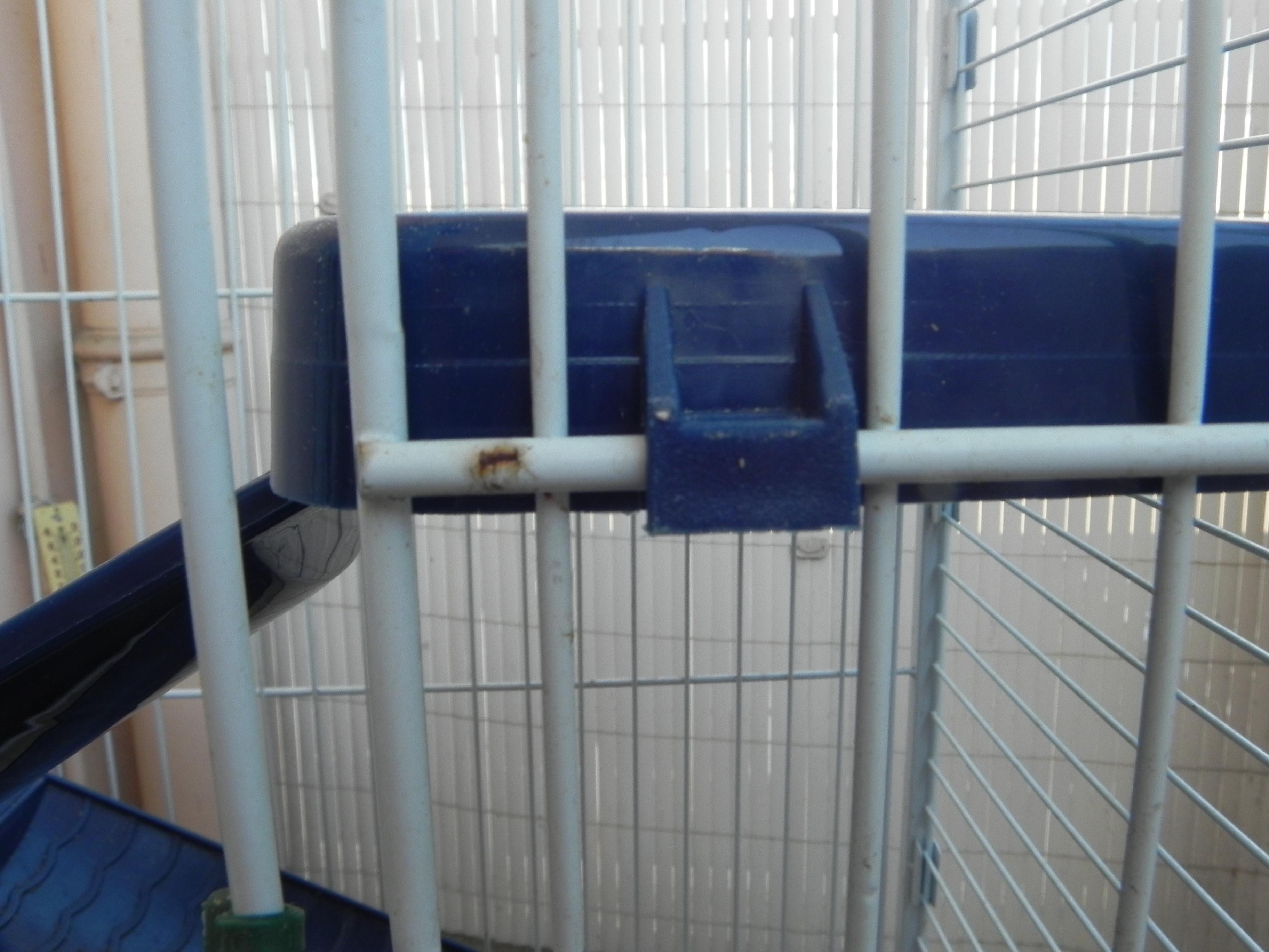 Vends Cage Tower (89) 472679DSCN1672
