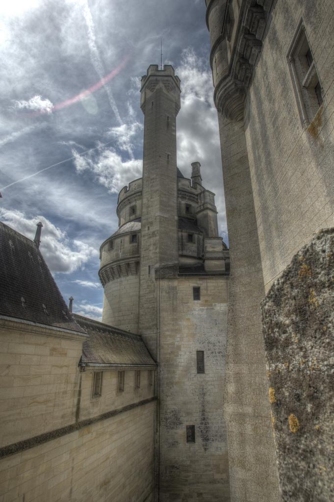 Chateau de Pierrefonds (60)  473772IMGP53656789tonemapped