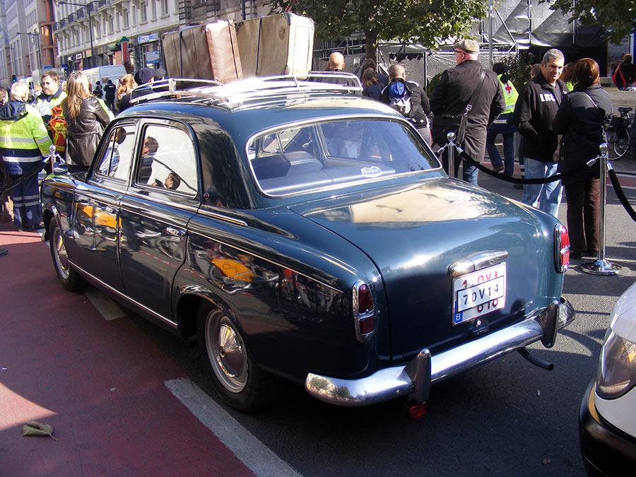 """Bruxelles côté BD  """"Tintin en automobile"""" - Page 2 475246DSCF6271"""