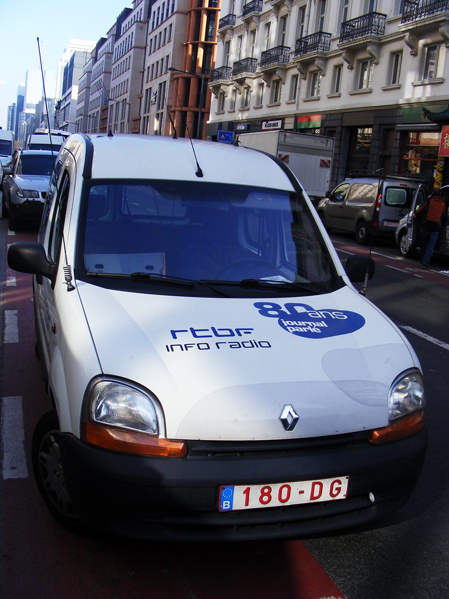 """Bruxelles côté BD  """"Tintin en automobile"""" - Page 3 478235DSCF6108"""
