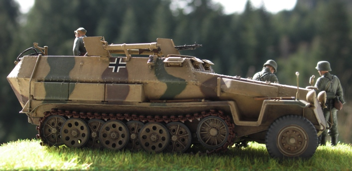 sd.kfz 251/16 flammpanzerwagen  Dragon 1/35 479970modles110029