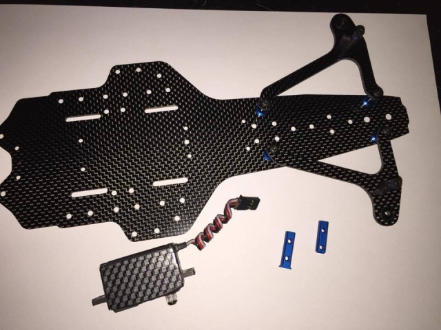 montage et presentation du chassis F6 team associated 480967319