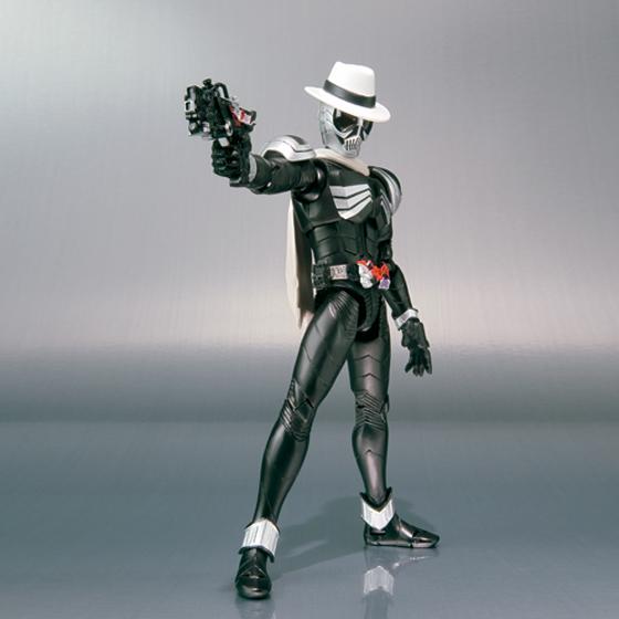 [Figurine] Figuarts - Kamen Rider Skull MG Figure-Rise  481172KamenRiderSkull02