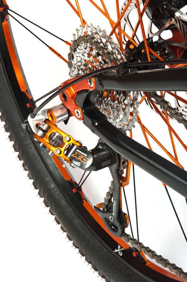 GT cycles 487330GTDistortionCrankbrothersMountainBikeRear