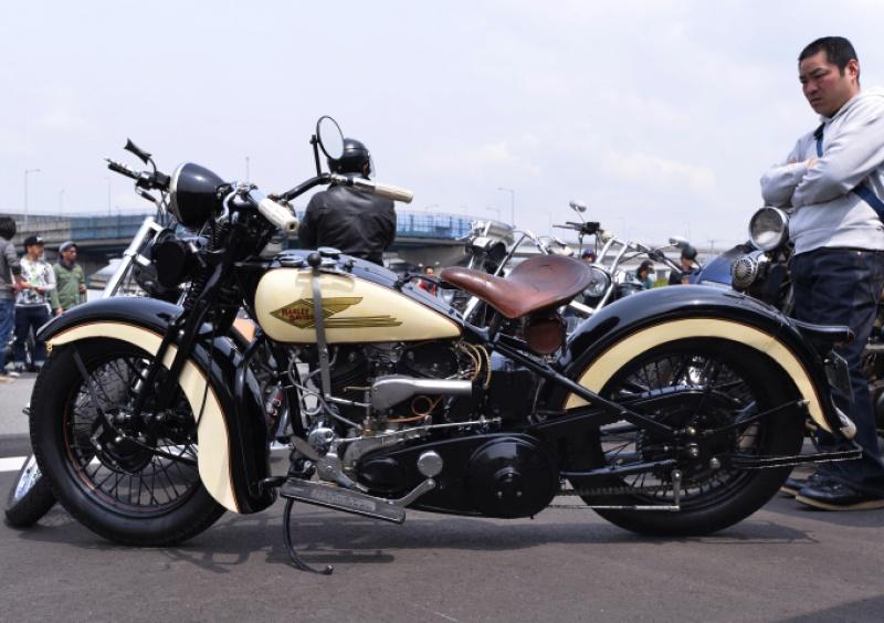 Les vieilles Harley....(ante 84) par Forum Passion-Harley - Page 4 487996ph02