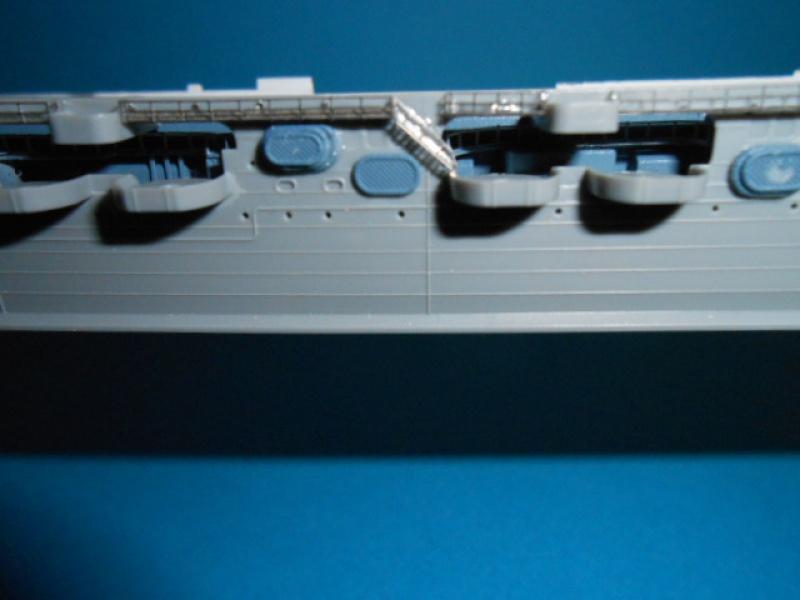 Saratoga tamiya 1/700 PE+Pont en bois par lionel45 - Page 10 488355sar042