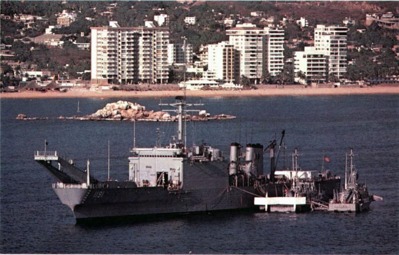 LANDING SHIP TANK (LST) CLASSE NEWPORT  491556USSRacineLST1191USSGeminiPHM6andUSSHerculesPHM2atAcapulcoMexico