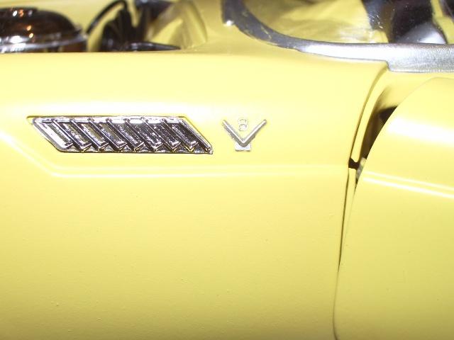 ford thunderbird 1955 au 1/16 de chez amt  497750017