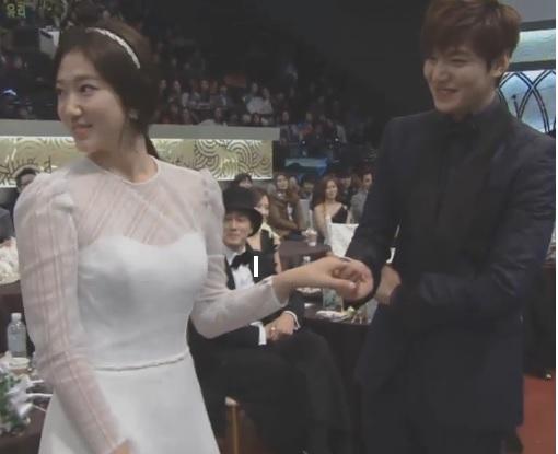 Park Shin Hye au SBS Drama Awards 2013 498089HH1